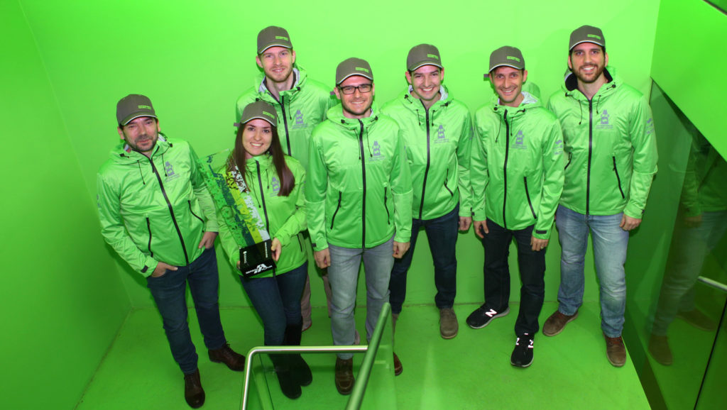 Group Foto of the ARG team members in green team jackets